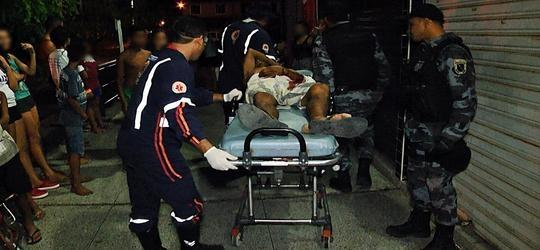 Morador de rua é esfaqueado em mercado de Parnaíba