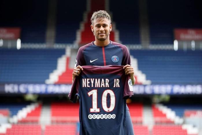 Neymar disparou as vendas na loja (Crédito: Reprodução)