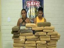 Mulher que guardava droga do marido é presa com 50 kg de maconha