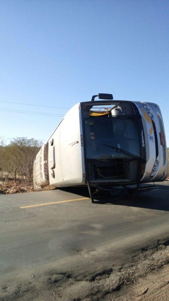 """Mais um acidente é registrado na BR 135 conhecida como """"rodovia da morte"""" (Crédito: Portal Ponto X)"""