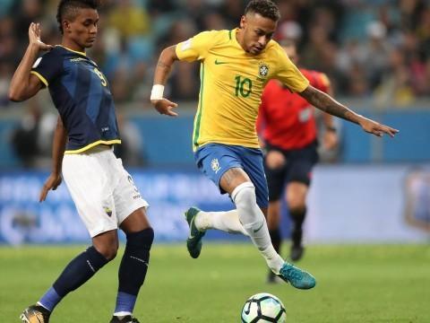 Pela seleção, Neymar tenta superar críticas à mudança de clube