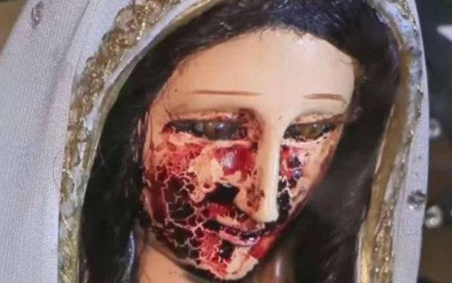 Santa estaria 'chorando sangue' (Crédito: Mirror)