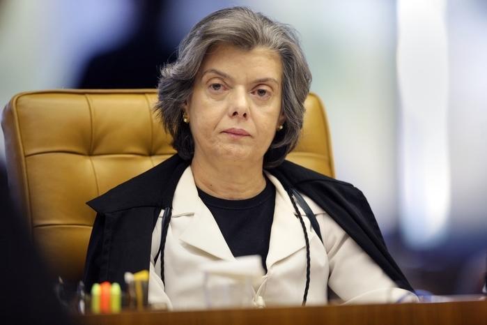 Ministra Cármen Lúcia determinou que tribunais informem sobre salários de juízes