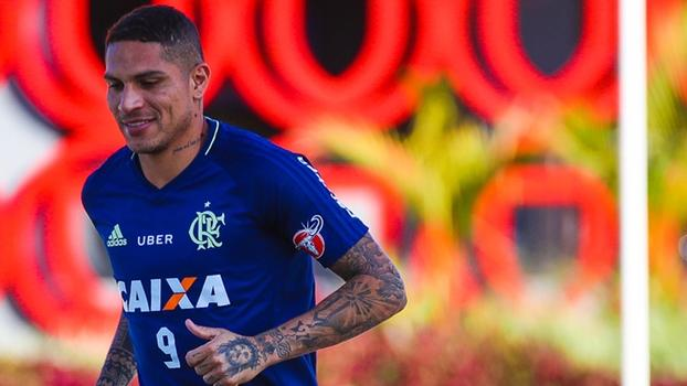 Paolo Guerrero está suspenso e não joga a primeira partida (Crédito: Flamengo)