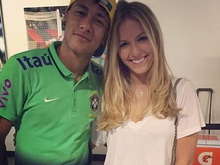 Neymar adiciona nas redes modelo que foi apontada como affair