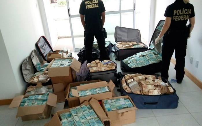 PH encontrou grande quantidade de dinheiro  (Crédito: Polícia Federal)