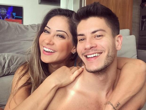 Mayra Cardi vai casar com Arthur Aguiar após 2 meses de namoro