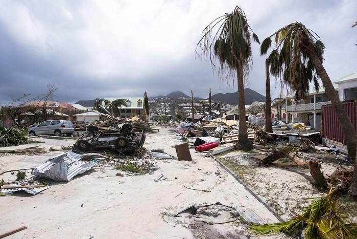 Destruição na Ilha de Saint Martin, no Caribe, após passagem do furacão Irma  (Crédito: AFP)