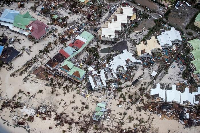 Destruição em Sint Maarten, parte holandesa na Ilha de Saint Martin, no Caribe, após passagem do Irma  (Crédito: Reuters)