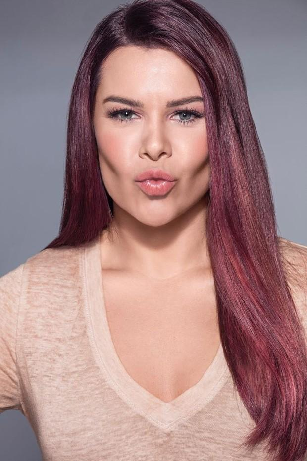 """Fernanda Souza estreia canal na web: """"O que me move é fazer alguém"""""""