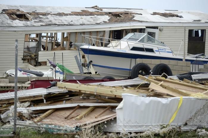 Destruição causada pelo furacão Irma em Porto Rico (Crédito: AP)