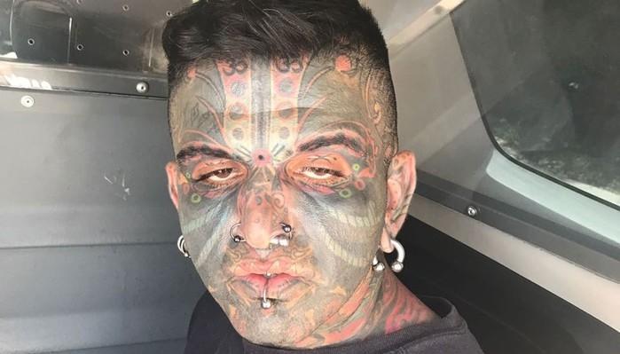 Felipe Magarian Messias, 34 anos, foi preso e autuado por praticar ato obsceno em local público e por praticar ato libidinoso diante de menor de 14 anos (Crédito: Divulgação/Polícia Civil)