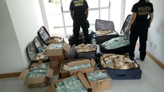 """PF fez buscas em endereço de Salvador que seria, supostamente, utilizado por Geddel Vieira Lima como """"bunker"""" para guardar dinheiro em espécie (Crédito: Divulgação PF)"""
