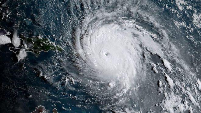 O grande olho do furacão cubriu o arquipélago de Antígua e Barbuda (Crédito: NOAA)