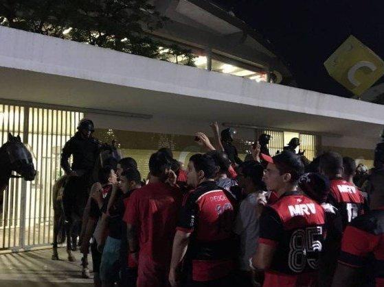 STJD irá analisar incidentes do Maracanã e Fla pode ser punido