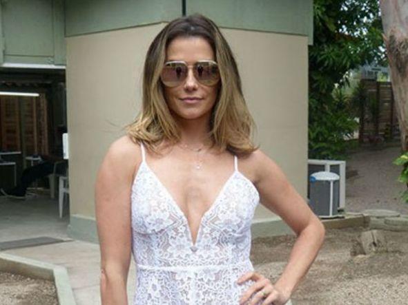 Deborah Secco diz que namorou gay e foi trancada para não engordar