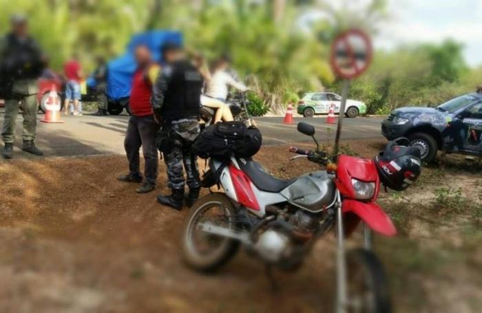 Homem é preso após clonar placa de motocicleta em Boa Hora