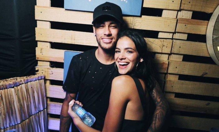 Família de Neymar desaprova volta de namoro com Marquezine (Crédito: Reprodução)