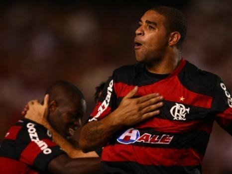 Adriano pode voltar para o Flamengo, mas ainda não houve negociação