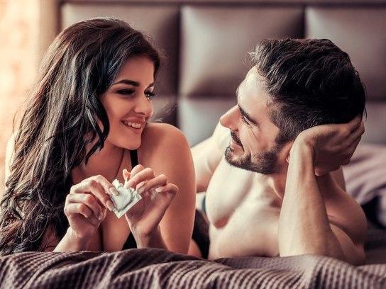 Ajude parceiro achar tamanho ideal de camisinha e tenha mais prazer