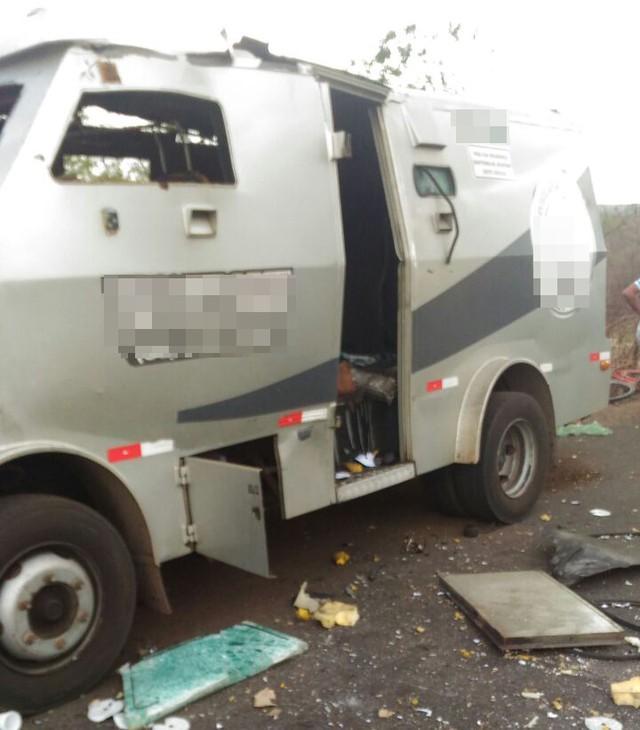 Carro-forte do Piauí fuzilado por bandidos no Maranhão (Crédito: Polícia Civil-Maranhão)