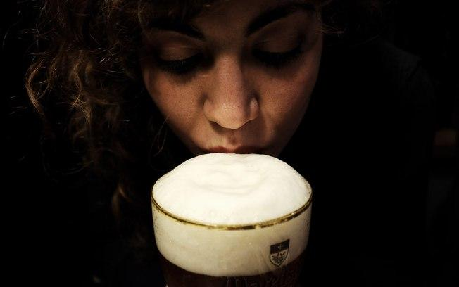 Sri Lanka: Mulheres ganham direito de consumir bebidas alcoólicas