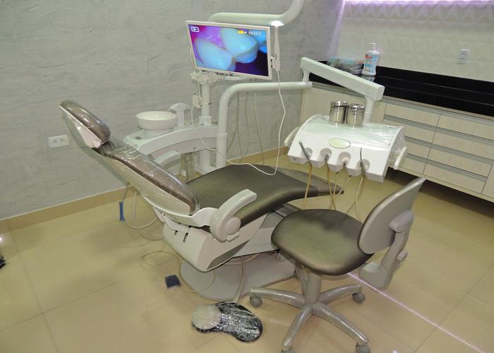 Cadeira e equipamentos de ultima geração (Crédito: Edinardo Pinto )