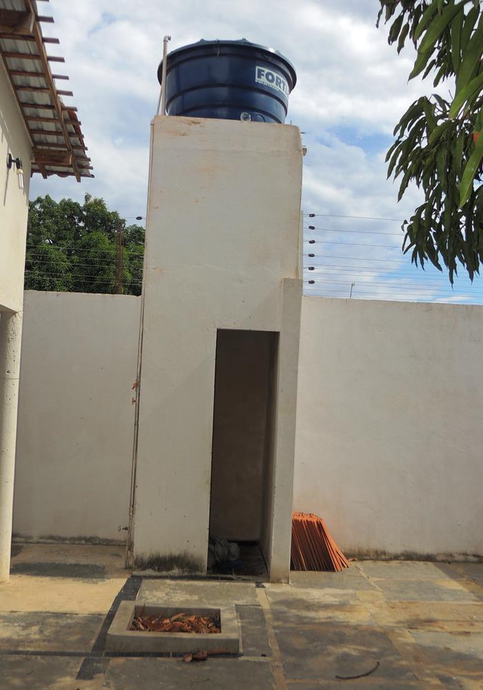 Caixa d'água / depósito (Crédito: Edinardo Pinto )