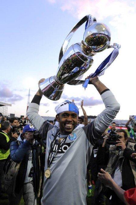 Ex-goleiro é ídolo no Porto (Crédito: AP)