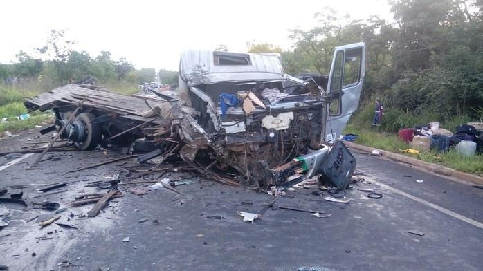 Acidente na BR-251, região Norte de Minas Gerais (Crédito: Divulgação)