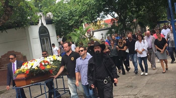 Delegado Fábio Monteiro é enterrado no Rio de Janeiro (Crédito:  Fernanda Rouvenat)