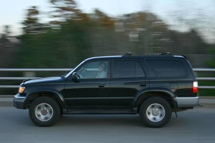 O motorista que desobedecer terá o veículo rebocado (Crédito: Reprodução )