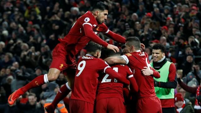 Liverpool acaba com invencibilidade do City no Campeonato Inglês
