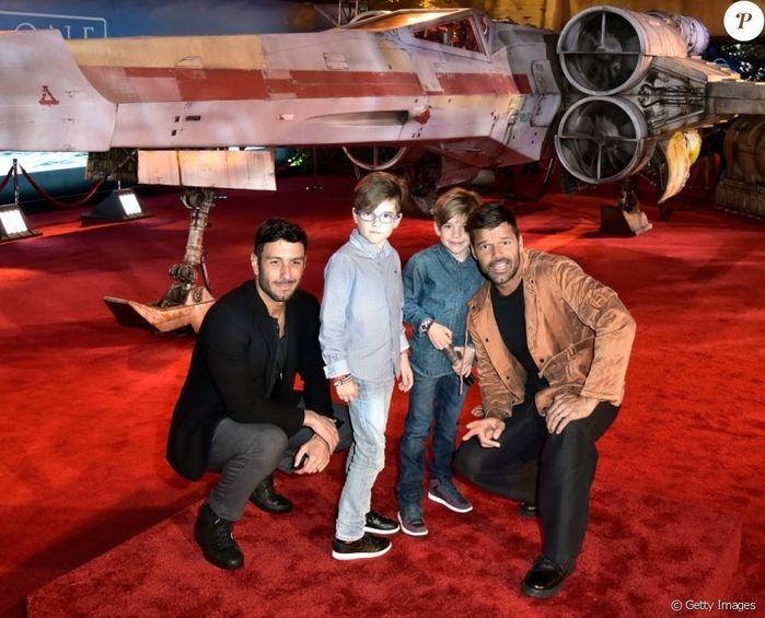 Ricky Martin explica aos filhos por que eles têm dois pais
