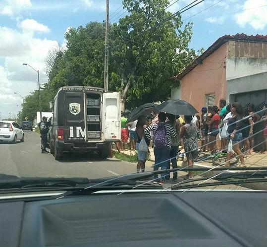 Mulher encontrada morta no bairro São Pedro estava sem roupa