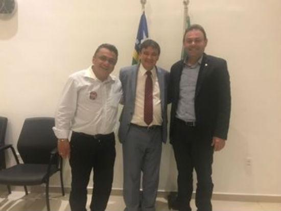 Governador recebe o presidente da Câmara de Teresina, Jeová Alencar, e o vereador Dudu (Crédito: Reprodução)