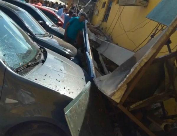 UPA desaba e atinge veículos no Maranhão (Crédito: Divulgação)