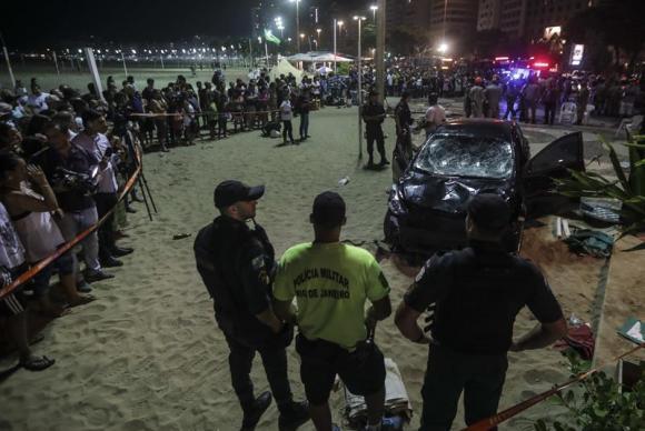 Atropelamento mata bebê em Copacabana (Crédito: Foto Antonio Lacerda/Agência EFE)