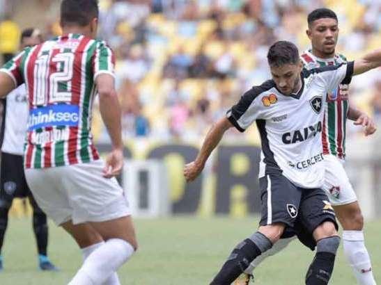 Fluminense e Botafogo jogam no Maracanã e não saem zero