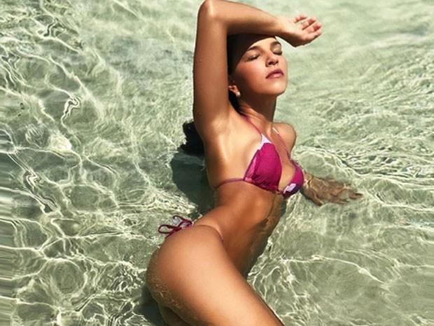 """Mariana Rios posa sensual e brinca: """"Que tiro foi esse?"""""""
