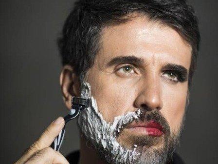 """Intepretando gay, Eriberto Leão afirma: """"Sou masculino e feminino"""""""