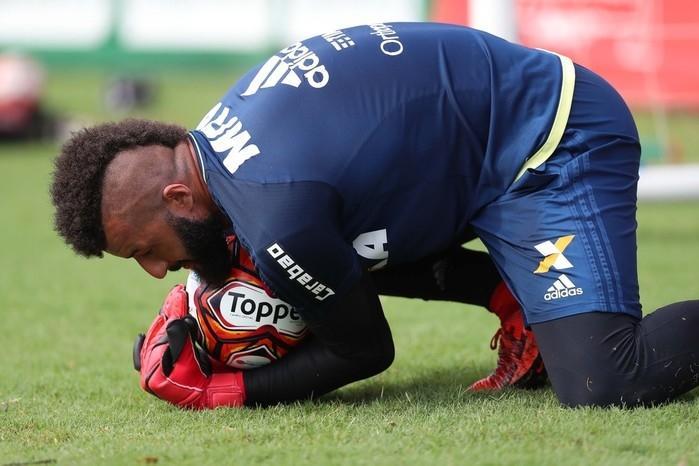 Goleiro Muralha deixa o Flamengo e jogará no Japão