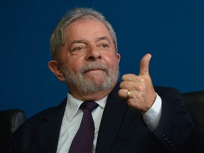 Lula: Defesa recorre à Justiça em Brasília para reaver passaporte