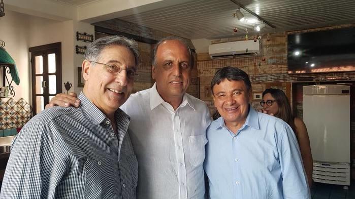 Fernando Pimentel,  Luiz Fernando Pezão e Wellington Dias  (Crédito: Facebook)