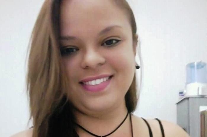 Estudante universitária identificada como Raquel Delmiro