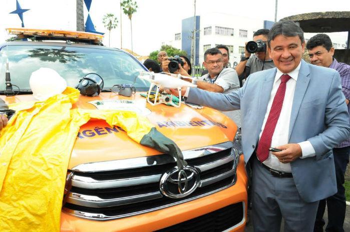 Governador entrega veículos e equipamentos para fiscalização ambiental (Crédito: Francisco Leal)