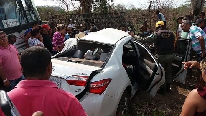 Veículo parcialmente destruído após acidente na PI-113 (Crédito: Realidade em Foco)