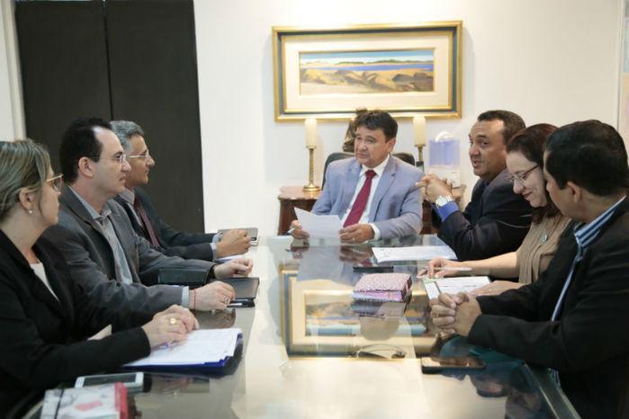 Governador se reúne com equipe da Uespi (Crédito: Jorge Bastos )