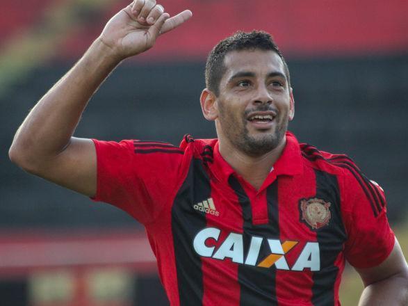 """""""Estou chegando"""", diz Diego Souza após SP anunciar sua contratação"""