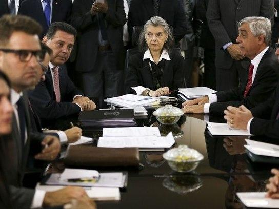 Cármen Lúcia suspende visita a presídio que teve rebeliões no GO